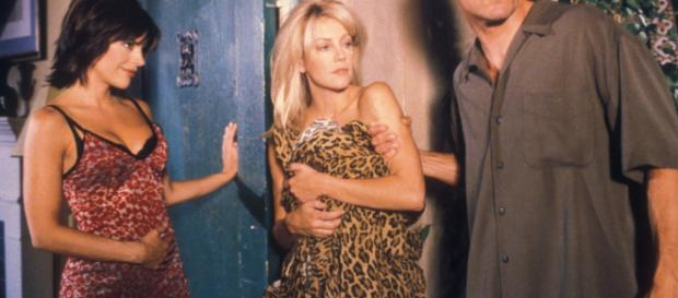 Lisa Rinna and Heather Locklear appear on 'Melrose Place.' [Photo via FOX/YouTube]