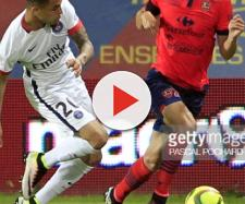 Paris Saint-Germain's Layin Kurzawa (L) vies withAjaccio's French ... - gettyimages.com