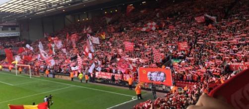 Anfield Road: la celebre Kop del Liverpool attende la Roma