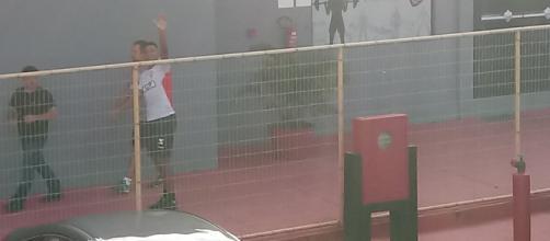 Jogador já está no Vitória, onde fez exames