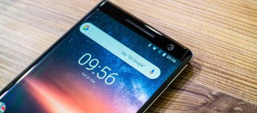 Previo del Nokia 8 Sirocco, un móvil 'edge' con trampa - elespanol.com