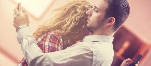 Relaciones de pareja: Esto es lo que ocurre si pides permiso a tu - elconfidencial.com