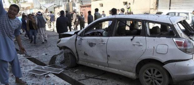 IS bomber kills dozens in attack on Kabul voter registration ... - guernseypress.com