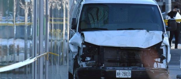 Toronto: Van fährt in Menschengruppe - neun Tote - rp-online.de