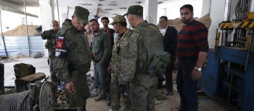 Ataque químico en Siria: los expertos al fin visitan el lugar de Douma.