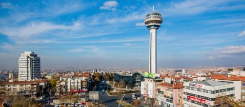 Ancara é a segunda maior cidade do país, com uma população de mais de 4,5 milhões de habitantes
