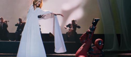 """Céline Dion et Deadpool pendant le clip """"Ashes"""""""