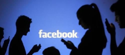 Cómo encuentra Facebook a las personas que quizás conozcas
