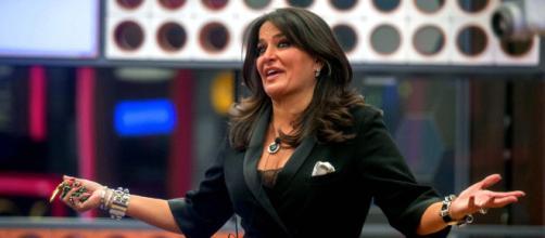 Grande Fratello NIP, Aida Nizar litiga, sfiorando la rissa, con Baya Damme