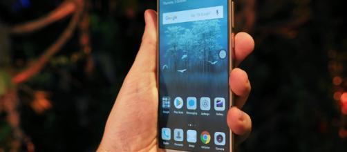 Huawei Mate 10 Pro pretende bajar del pilar a iphone x y samsumg galaxy 8