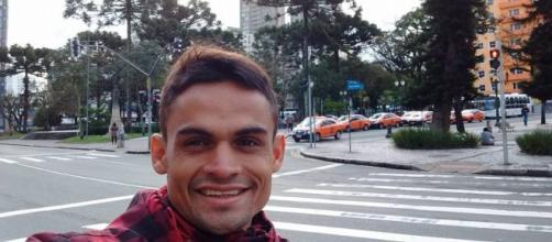 Lutador de jiu-jitsu é assassinado e autor segue foragido no ... - com.br