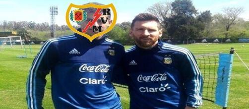Nicolás Andereggen con su ídolo Messi.