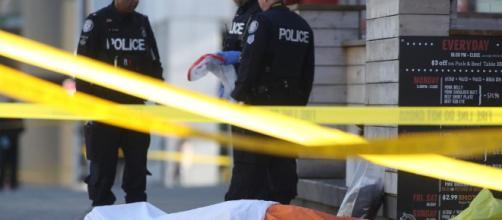 Una camioneta embistió a numerosos peatones y causó 10 muertos