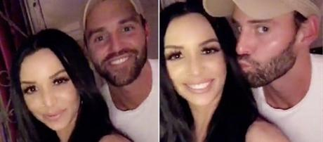 Scheana Marie and Robby Hayes video themselves on Instagram. [Photo via Instagram]