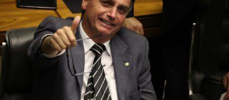 Vídeo de anúncio de mandado de prisão de Bolsonaro é falso