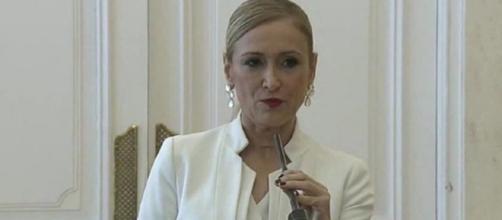 a presidenta conservadora de Madrid dimite tras un mes de escándalos - el-carabobeno.com