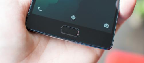 Android fingerprint sensors, ranked | (Image via Android Central/Youtube)