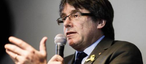 Catalunya: Puigdemont y Comín votan en el Parlament y Cs recurrirá al TC