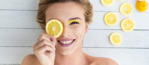 Come usare il limone su pelle e capelli | DireDonna - diredonna.it