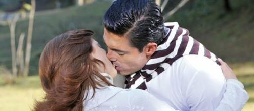 Eduardo se declara e beija Fernanda