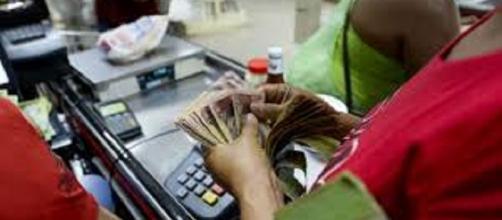 La inflación galopante mantiene en constante zozobra a la población venezolana