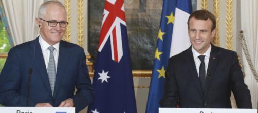 Macron au travail à Sydney, un 1er mai, fête du travail