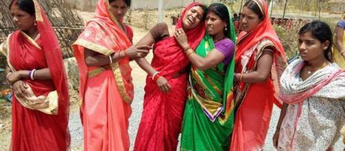 Mujeres de la India en poblaciones rurales