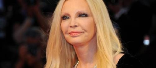 Patty Pravo dichiara di aver fumato canne e di aver picchiato Grillo