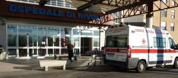 Si opera al tunnel carpale all'ospedale di Rivoli e si ritrova con il braccio amputato.