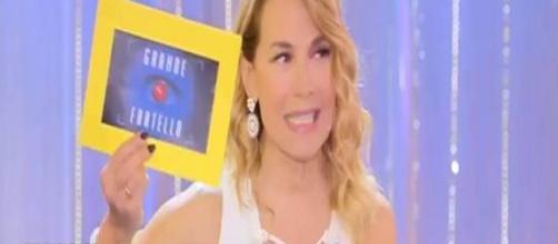 """BARBARA D'URSO IN DIRETTA: """"Ho le conversazioni spinte di Simone e ... - newscronaca.it"""