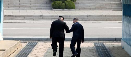 Kim Jong-Un y Moon Jae-in firman un acuerdo de paz