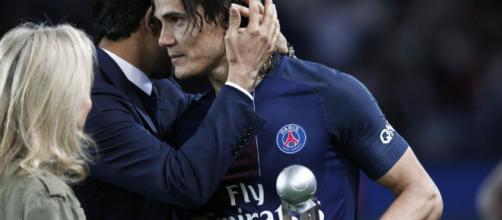 PSG : Cavani a reçu son trophée de meilleur buteur de Ligue 1 - Le ... - leparisien.fr
