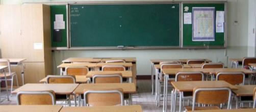 Spinge il compagno di classe contro il banco: 15enne perde la milza