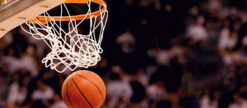 Un jeu de basket caché dans Facebook Messenger - ubergizmo.com