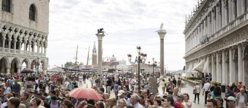 Venezia, tornelli per l'accesso dei turisti
