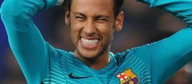 Neymar nega ser sócio de uma boate.