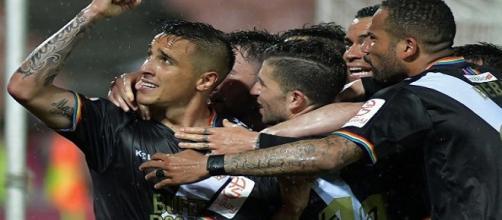 Jugadores del Rayo celebrando el gol de Trejo.