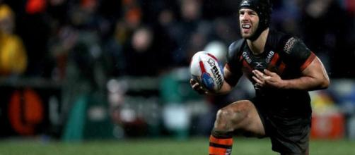 Luke Gale never returned for Castleford after half-time in their victory over Wakefield. Image Source - shropshirestar.com