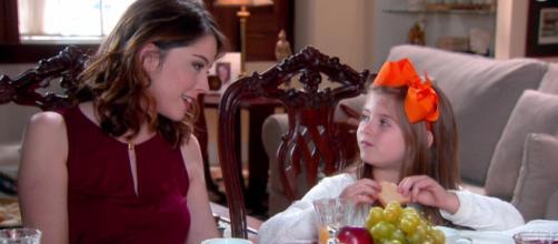 Cecília decide esconder de Dulce que vai se divorciar em Carinha de Anjo (Foto: SBT)
