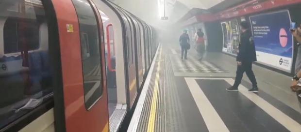 Mais de 300 trens passaram por cima do cadáver de um homem no metrô de Londres (Imagem de arquivo)