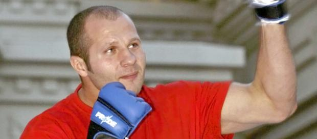 MMA legend Fedor Emelianenko, victorious over former UFC champ Frank Mir | By Larry Burton on Picasa Web Albums via Wikimedia Commons
