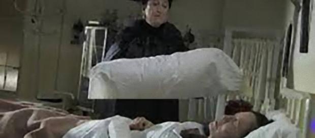 Una Vita, trame maggio 2018: Fabiana muore strangolata da Ursula?