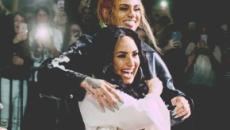 Demi Lovato se besa con la cantante Kehlani en el escenario