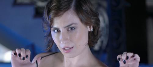 Em entrevista, atriz de filmes adultos, Emme White de 37 anos, que está grávida, revela que quer gravar até o fim de sua gestação.