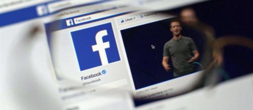 Facebook crolla in Borsa dopo lo scandalo Cambridge Analytica - avvenire.it
