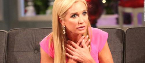 Kim Richards hit with tax liens after failing to pay her bill. [Image via Bravo/YouTube]