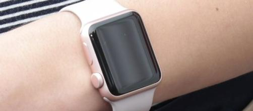 La evidencia del Apple Watch es una evidencia fundamental para demostrar la falsedad de la cuenta del acusado a la policía.
