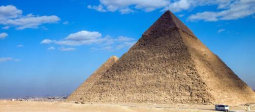 Le piramidi di Giza conterrebbero la prova che siamo stati visitati dagli alieni?