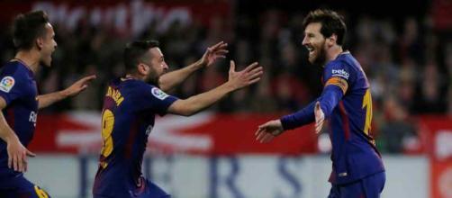 Leo Messi sempre muito atento ao seu Barcelona. (foto reprodução).