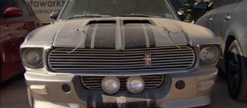 """Mustang """"Eleanor"""" Abandonado em Dubai"""